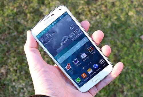The Samsung Galaxy S5: When a Committee Builds a Smartphone